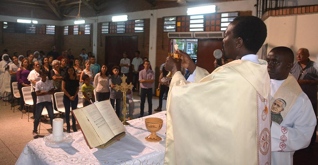 07 INMD 5 Misa en comemoracion de los 25 anos de Profesion Religiosa P Okal