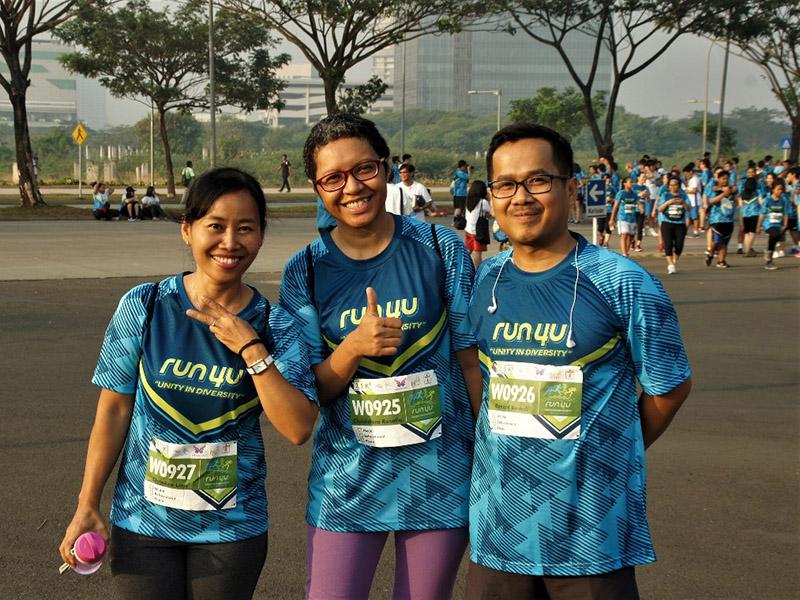02 SL 1 run4u participants happy faces by Lina Yuliati ok