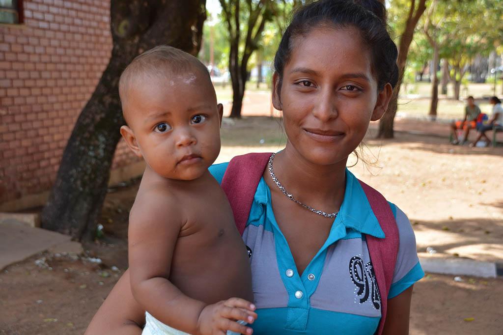 18 INMD3 04 Erika Carolina Gonzalez com o o filho Erikrily Brito
