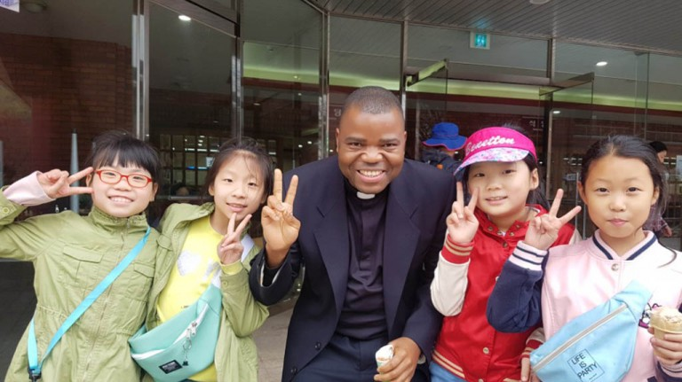 Visit to the Major Seminary of Incheon Diocese with youth, altar boys and faithful on the Vocation´s Sunday
