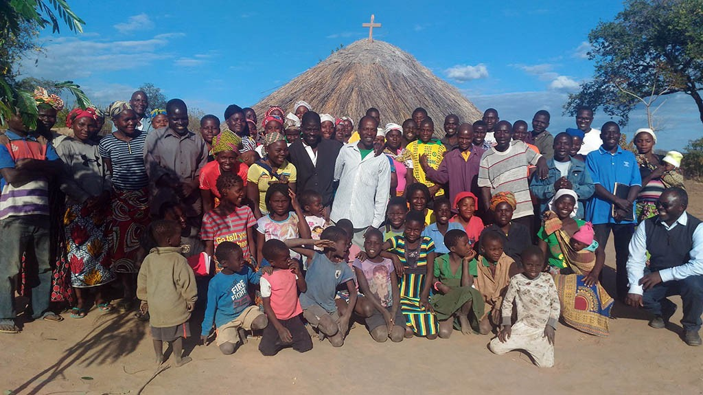 "Mission ""ad Gentes"" or a New Evangelization in the Continent?"