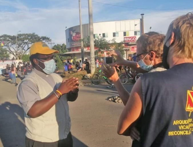 Puerto Resistencia. Dialogo e cooperazione in mezzo al caos.