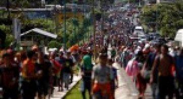 Carovane migranti alla frontiera USA: l'azione della Chiesa centroamericana